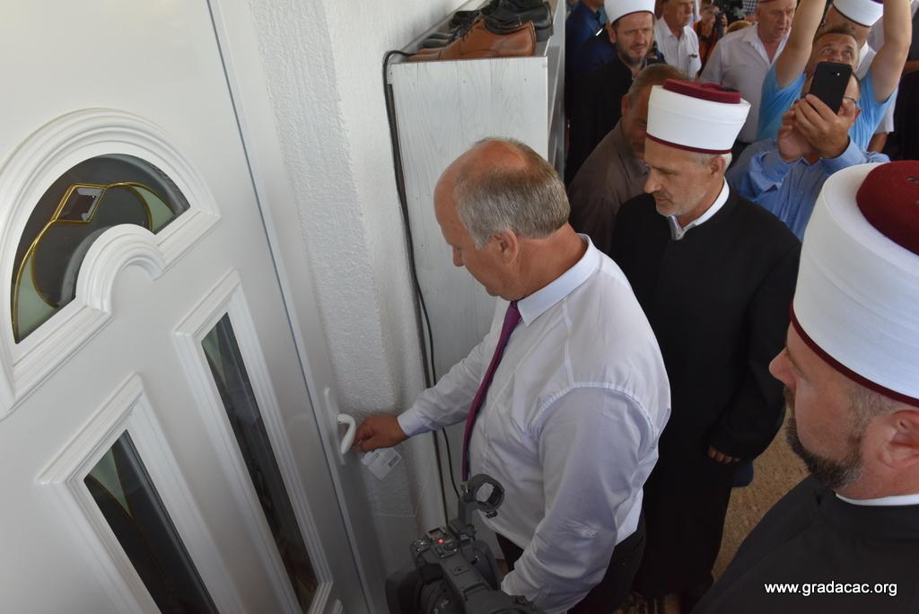 FOTO: Svečano otvorena džamija u Škorićima