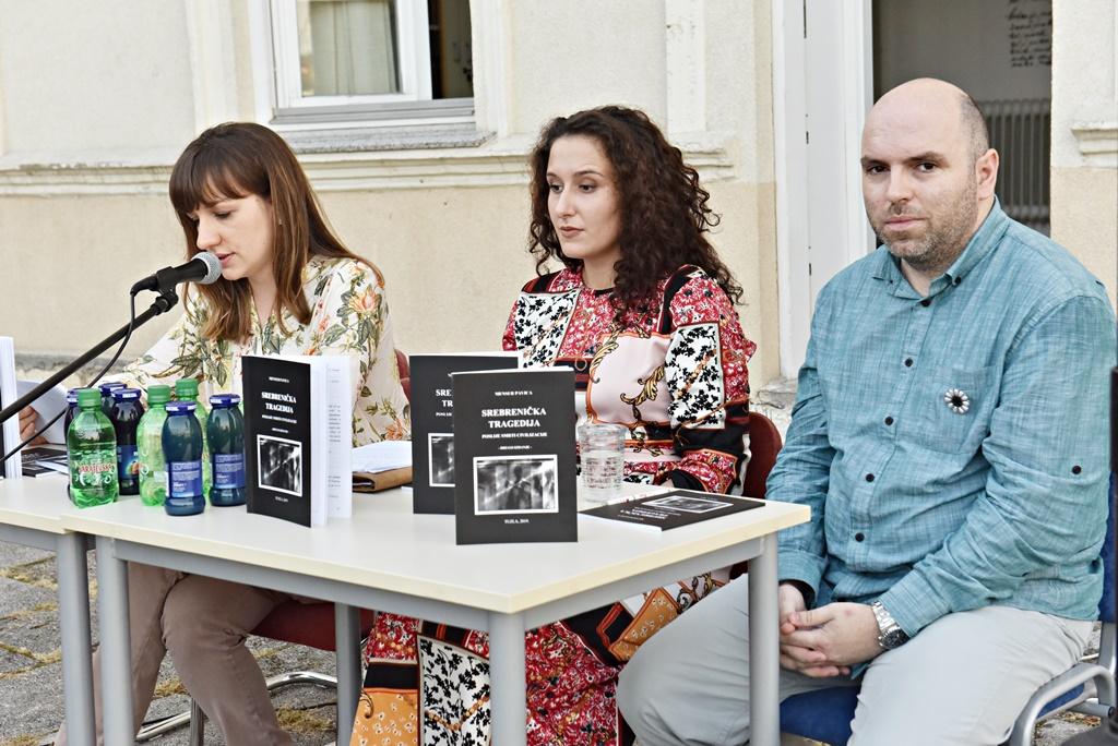 """Promovisana knjiga """"Srebrenička tragedija-Poslije smrti civilizacije"""""""