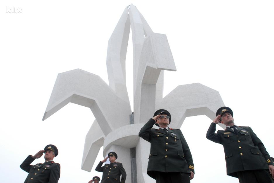 Javni poziv u cilju prikupljanja prijava u svrhu sufinansiranja troškova u izgradnji spomen obilježja poginulim pripadnicima Oružanih snaga Republike Bosne i Hercegovine za 2020. godinu