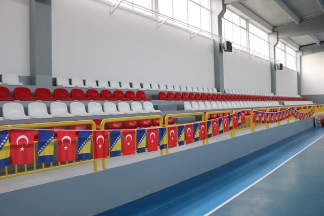 Izvršena primopredaja realizovanih radova na sportskoj dvorani u Kamberima
