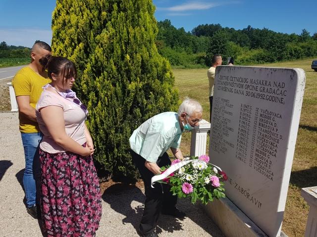 Obilježena 28. godišnjica masakra nad civilima na putu Gradačac-Ormanica