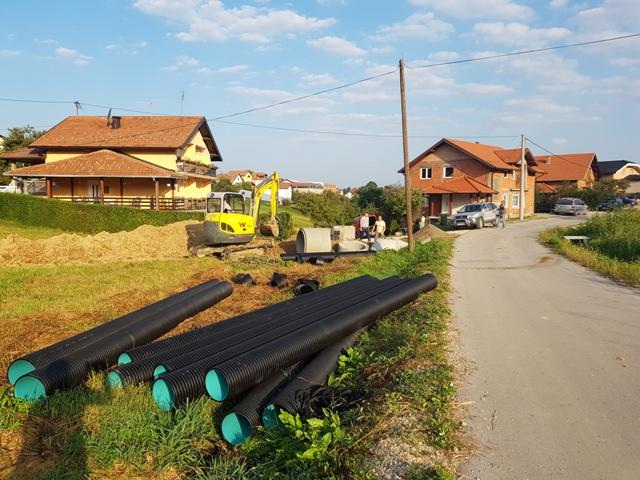 Počeli radovi na izgradnji kanalizacione mreže u naselju Mejremići – MZ Svirac